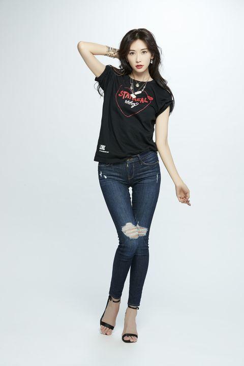 T-shirt, T-shirt穿搭, stayreal, stayrealX林志玲, 公益T shirt, 志玲姐姐, 林志玲