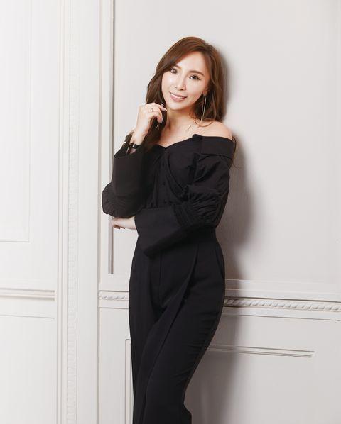 Clothing, Shoulder, Black, Dress, Formal wear, Waist, Suit, Joint, Neck, Sleeve,