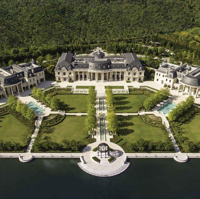 Estate, Mansion, Building, Architecture, Urban design, Aerial photography, House, Bird's-eye view, Landscape, Château,
