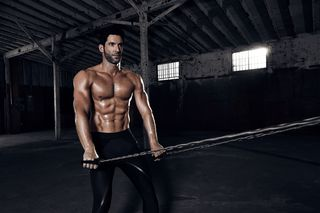 How Lucifer's Tom Ellis Got Ripped For Season 4 [Workout]