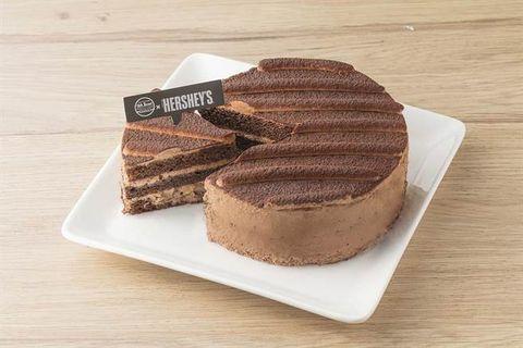 Food, Dish, Cuisine, Chocolate cake, Dessert, Ingredient, Baked goods, Baking, Chocolate, Flourless chocolate cake,