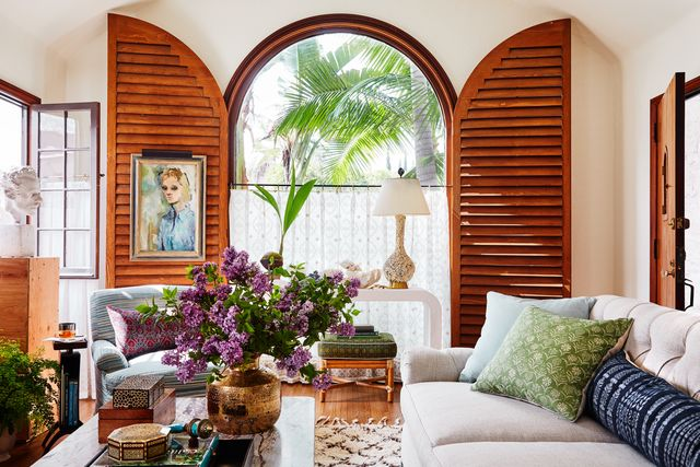 kevin isbell, sitting room, wooden doors, green cushions, white sofa