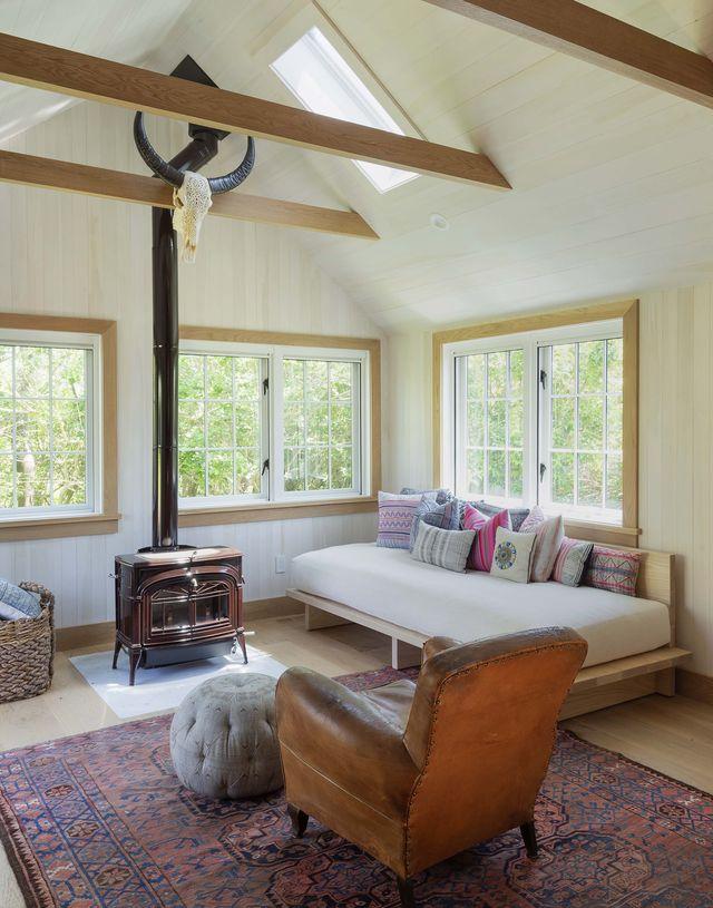 montauk surf lodge living room