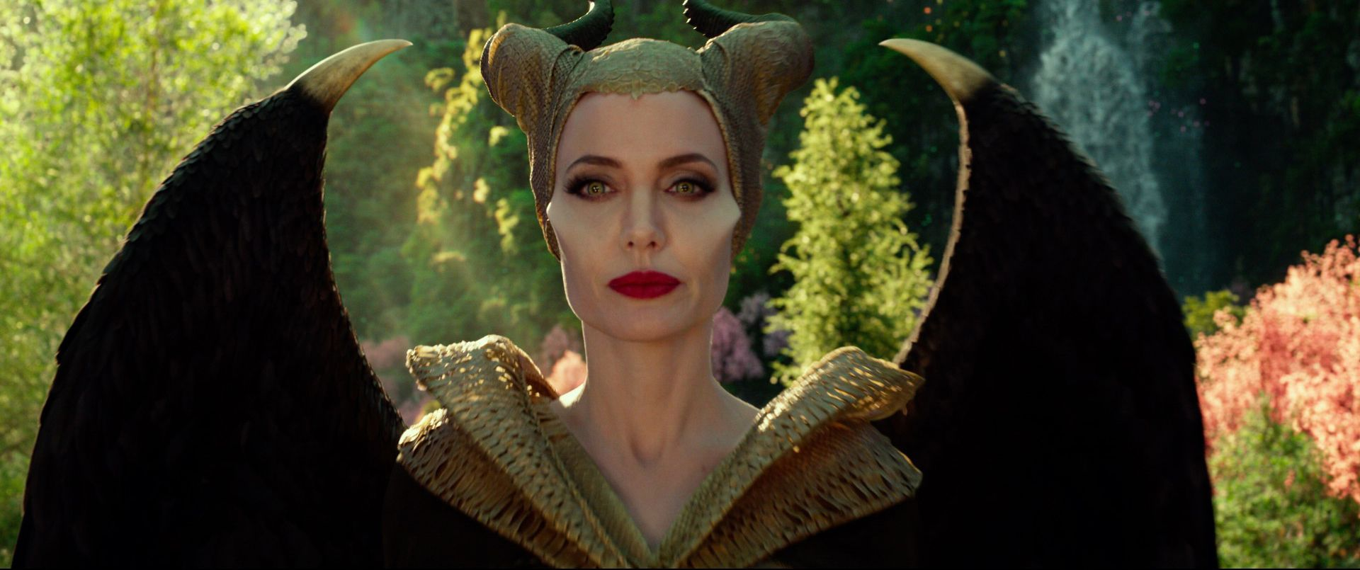 Watch The New Maleficent Mistress Of Evil Official Trailer