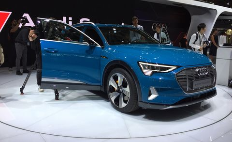 Land vehicle, Vehicle, Car, Auto show, Automotive design, Motor vehicle, Mid-size car, Audi, Audi a6, Executive car,