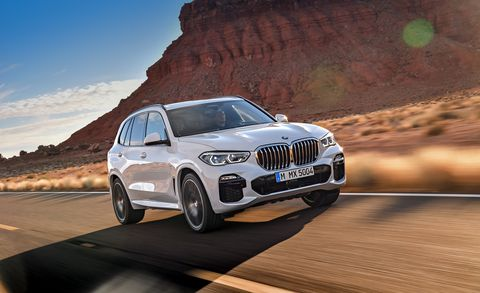 Land vehicle, Vehicle, Car, Automotive design, Bmw, Regularity rally, Personal luxury car, Luxury vehicle, Natural environment, Motor vehicle,