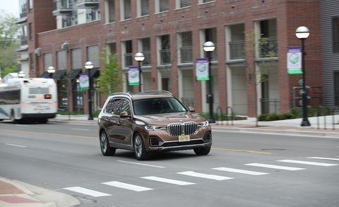 Land vehicle, Vehicle, Car, Luxury vehicle, Sedan, Road, Street, City car, Crossover suv,