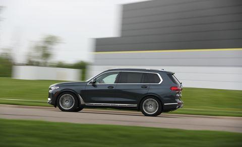 Land vehicle, Vehicle, Car, Sport utility vehicle, Automotive design, Rim, Automotive tire, Wheel, Crossover suv, Luxury vehicle,