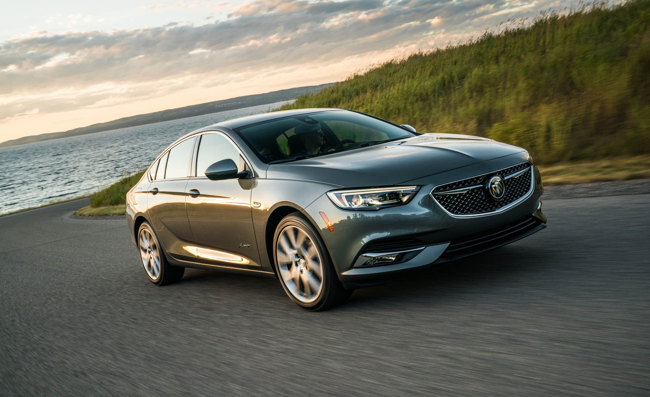 Buick Regal Sportback Adds Luxed Up Avenir Trim For 2019 News
