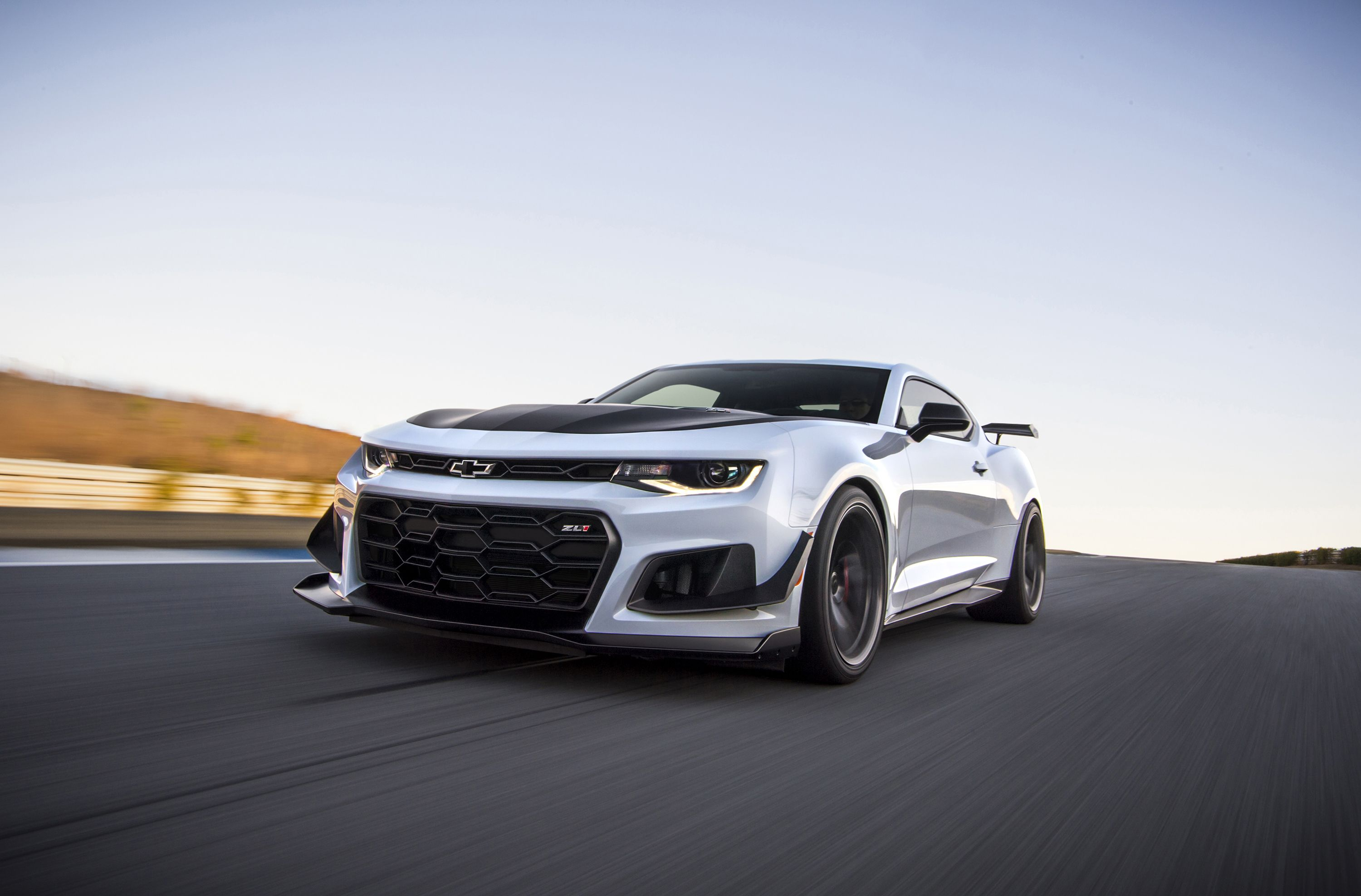 Chevrolet Will Give You $3000 Off a New Camaro If You Own a Mustang