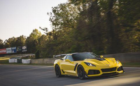 Land vehicle, Vehicle, Car, Sports car, Yellow, Automotive design, Performance car, Supercar, Corvette stingray, Chevrolet corvette c6 zr1,