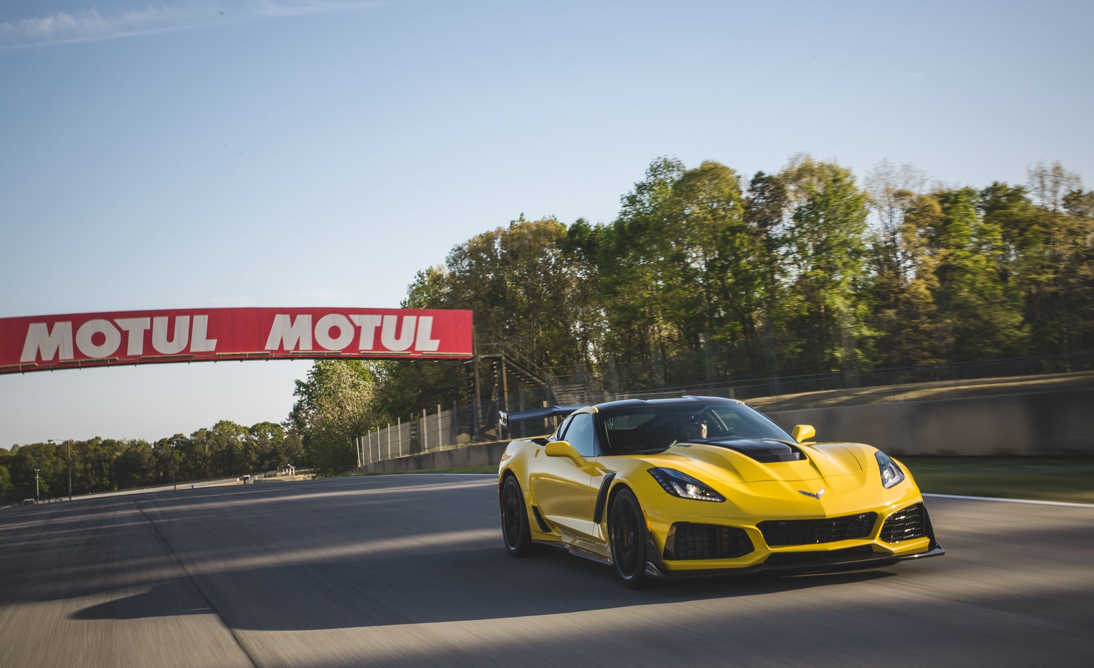 The Chevrolet Corvette Zr1 Hits 212 Mph