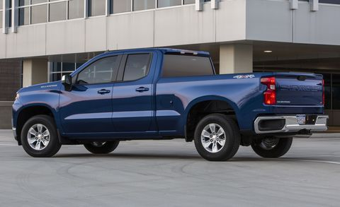 The Four-Cylinder Chevrolet Silverado Got Worse Fuel Economy Than the V-8 in Our Test