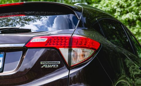Automotive tail & brake light, Automotive design, Automotive lighting, Vehicle, Automotive exterior, Car, Full-size car, Light, Mid-size car, Luxury vehicle,