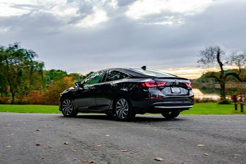 Land vehicle, Vehicle, Car, Mid-size car, Automotive design, Full-size car, Family car, Sedan, Rim, Lexus,