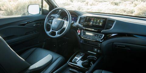 Land vehicle, Vehicle, Car, Center console, Electronics, Automotive design, Technology, Minivan, Kia sorento, Honda,