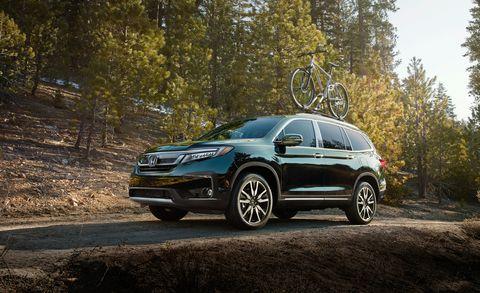 Land vehicle, Vehicle, Car, Sport utility vehicle, Compact sport utility vehicle, Automotive design, Crossover suv, Rim, Luxury vehicle, Honda,