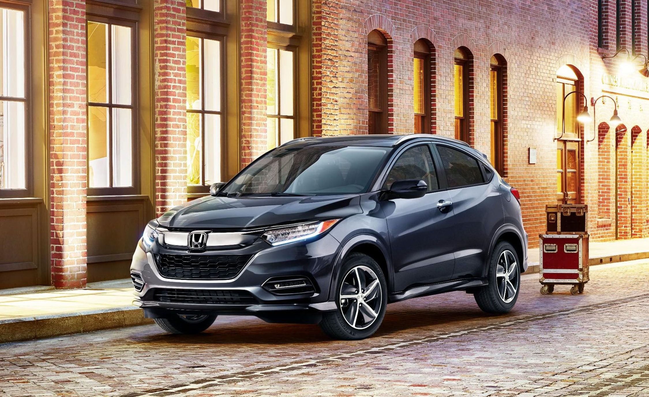 The 2019 Honda Hr V Gets A New Look And Safety Tech