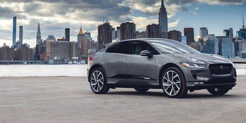 Land vehicle, Vehicle, Car, Tire, Automotive tire, Automotive design, Rim, Wheel, Alloy wheel, Mid-size car,