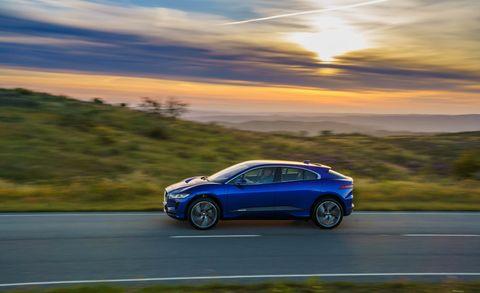 Land vehicle, Vehicle, Car, Automotive design, Mid-size car, Family car, Personal luxury car, Hot hatch, Mazda, Rolling,