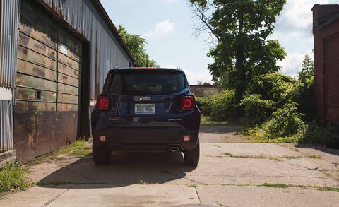 Automotive tail & brake light, Automotive design, Automotive exterior, Vehicle, Land vehicle, Automotive lighting, Car, Automotive mirror, Trunk, Rim,