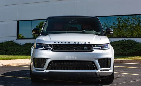 Land vehicle, Vehicle, Car, Bumper, Motor vehicle, Grille, Range rover, Sport utility vehicle, Automotive design, Automotive exterior,
