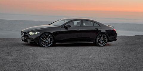 Land vehicle, Vehicle, Car, Automotive design, Luxury vehicle, Personal luxury car, Mid-size car, Alloy wheel, Wheel, Full-size car,