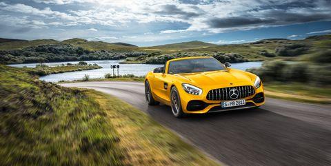 Land vehicle, Vehicle, Car, Automotive design, Performance car, Sports car, Yellow, Luxury vehicle, Supercar, Sky,