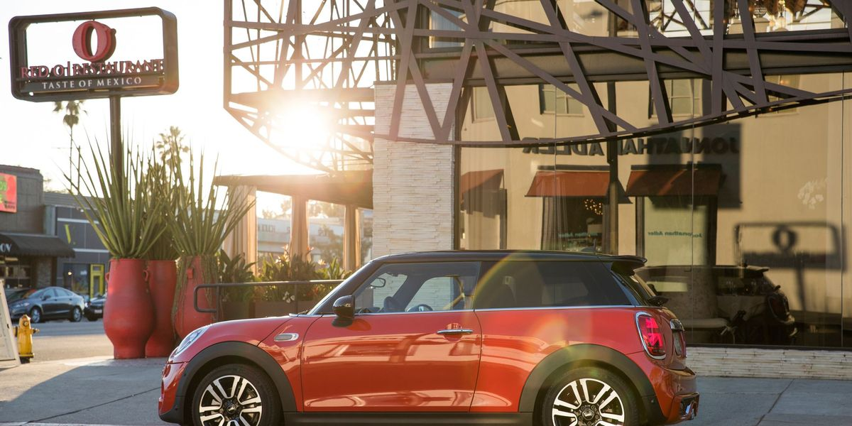 2019 mini cooper review pricing and specs 2019 mini cooper review pricing and specs