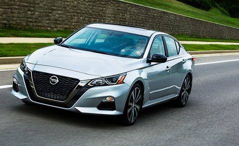 Land vehicle, Vehicle, Car, Mid-size car, Automotive design, Motor vehicle, Sports sedan, Grille, Personal luxury car, Luxury vehicle,