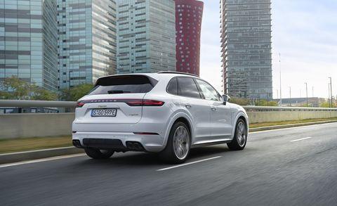 Land vehicle, Vehicle, Car, Automotive design, Motor vehicle, Sport utility vehicle, Rim, Automotive tire, Mid-size car, Tire,