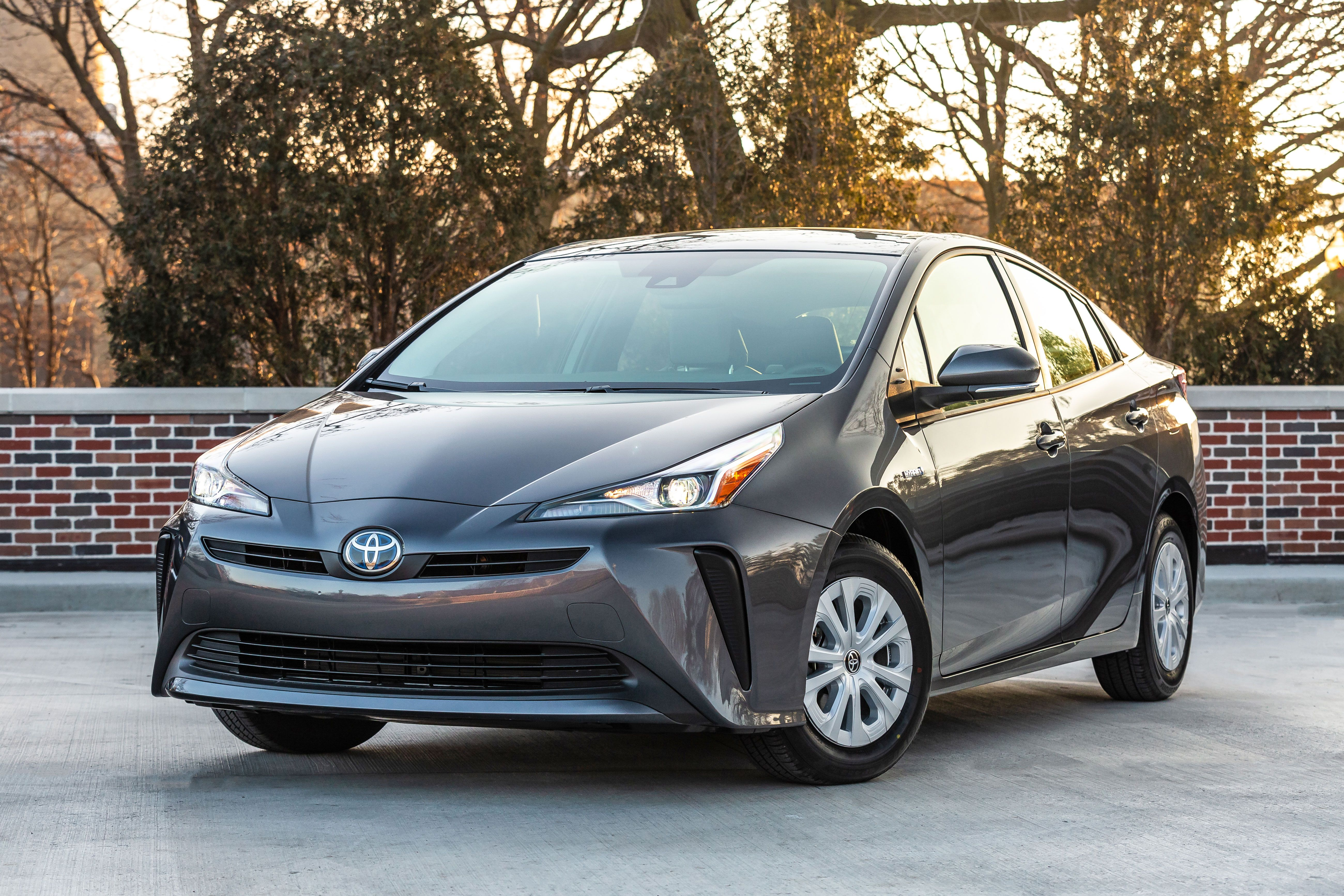 The 10 Cheapest New Hybrid Cars and SUVs You Can Buy in 2019