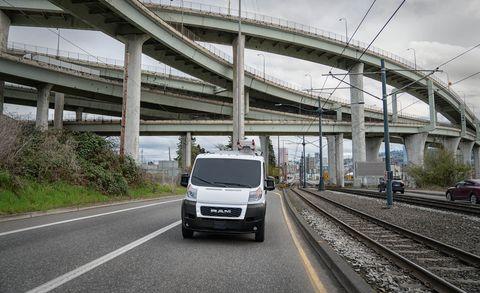 Land vehicle, Vehicle, Car, Transport, Mode of transport, Bridge, Road, Van, Infrastructure, Crossover suv,