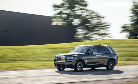Land vehicle, Vehicle, Car, Regularity rally, Sport utility vehicle, Luxury vehicle, Automotive design, Rim, Crossover suv, Compact sport utility vehicle,