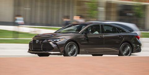 Land vehicle, Vehicle, Car, Mid-size car, Automotive design, Full-size car, Luxury vehicle, Rim, Personal luxury car, Sports sedan,