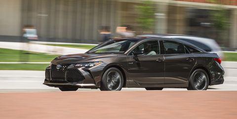 Land vehicle, Vehicle, Car, Mid-size car, Automotive design, Full-size car, Rim, Sports sedan, Automotive wheel system, Sedan,