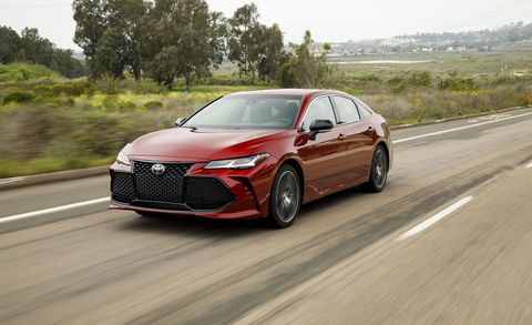 The 2019 Toyota Avalon Looks to Appeal to Late-Blooming ...