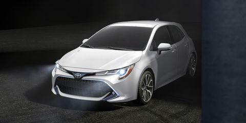 Land vehicle, Vehicle, Car, Automotive design, Motor vehicle, Mid-size car, Hatchback, Automotive lighting, Toyota, Automotive wheel system,