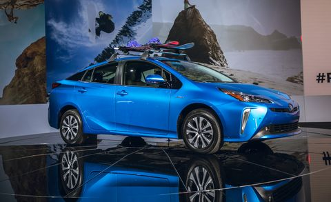 2019 toyota prius hybrid now has optional all wheel drive. Black Bedroom Furniture Sets. Home Design Ideas