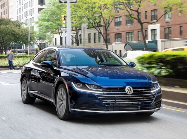 VW Arteon Usa >> 2019 Volkswagen Arteon Review Pricing And Specs