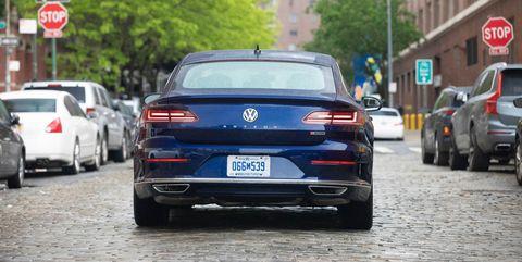 Land vehicle, Vehicle, Car, Motor vehicle, Automotive design, Personal luxury car, Luxury vehicle, Mid-size car, Performance car, Family car,