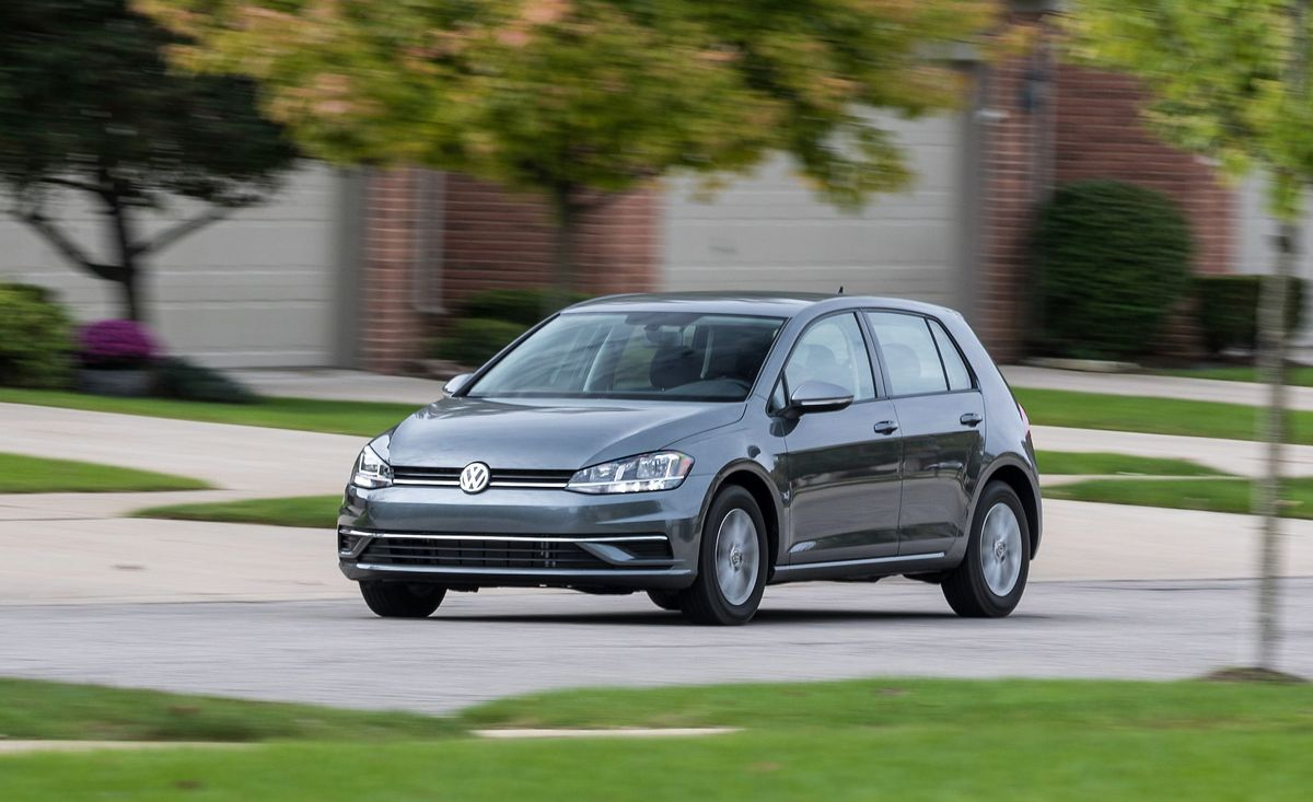 2019 Volkswagen Golf Review Pricing And Specs