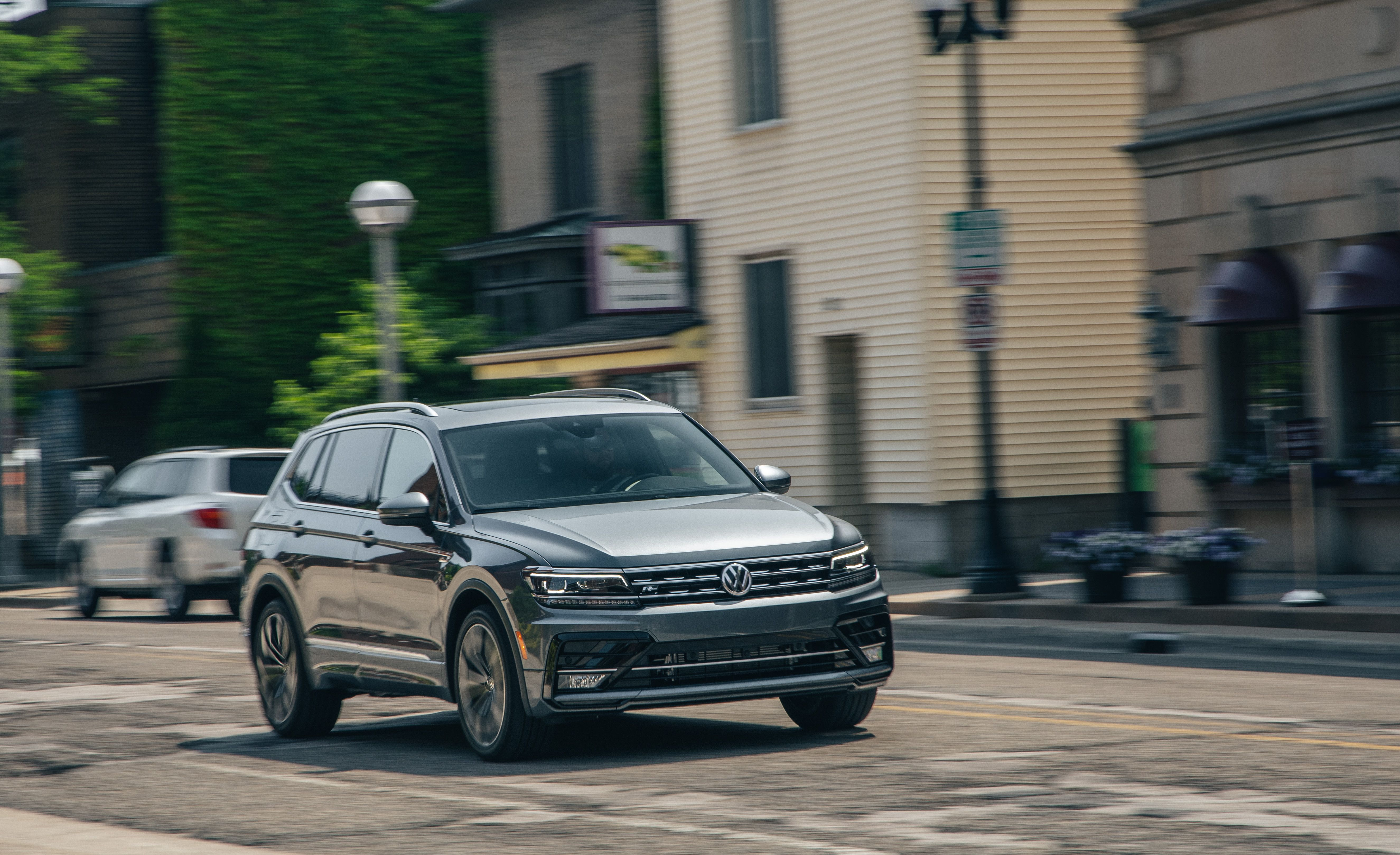 2019 Volkswagen Tiguan Tries to Be a Wagon Alternative