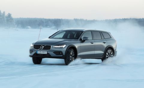 2020 Volvo V60 Cross Country Wagon An Ideal Suv Alternative