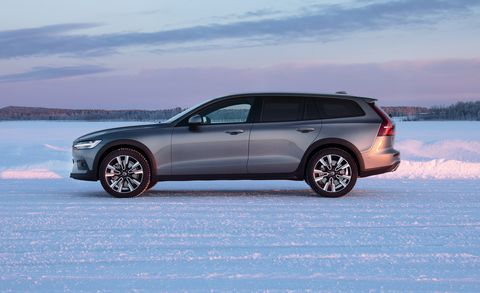 Volvo V60 Cross Country >> 2020 Volvo V60 Cross Country Wagon An Ideal Suv Alternative