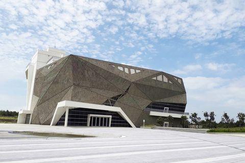 「台中海生館」2022年開幕!酷炫岩石外型、超大水母缸、頂樓景觀咖啡廳⋯期待值滿分