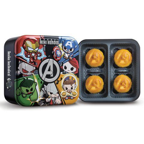 香港美心月餅限量推出「漫威迷你英雄超級聯盟禮盒!」外觀是漫威英雄A字徽章、內餡是濃滑奶黃