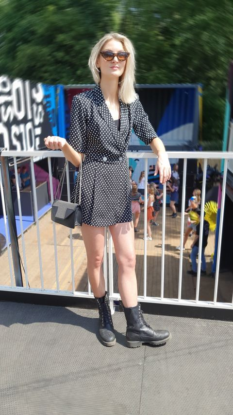 Street fashion, Clothing, Fashion, Footwear, Eyewear, Snapshot, Sunglasses, Leg, Pattern, Blond,