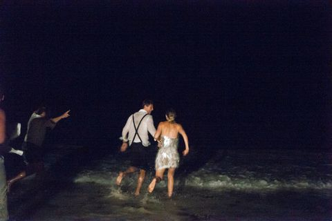 le couple skinnydipping