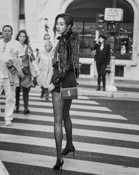 張鈞甯巴黎時裝週 SAINT LAURENT 同款包包